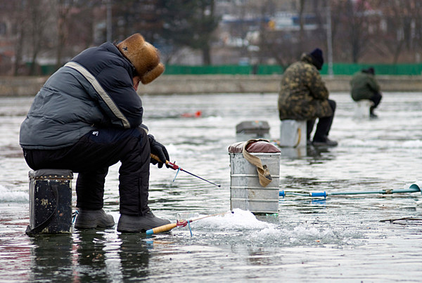 Nys dec encourages safety first when ice fishing for Nys dec fishing